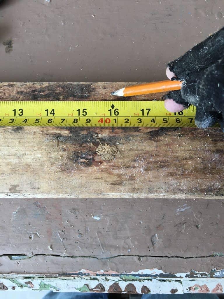 DIY Cheap Raised Garden Bed - measuring the boards