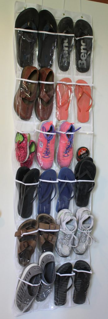 Hanging Shoe Organizer to store shoes