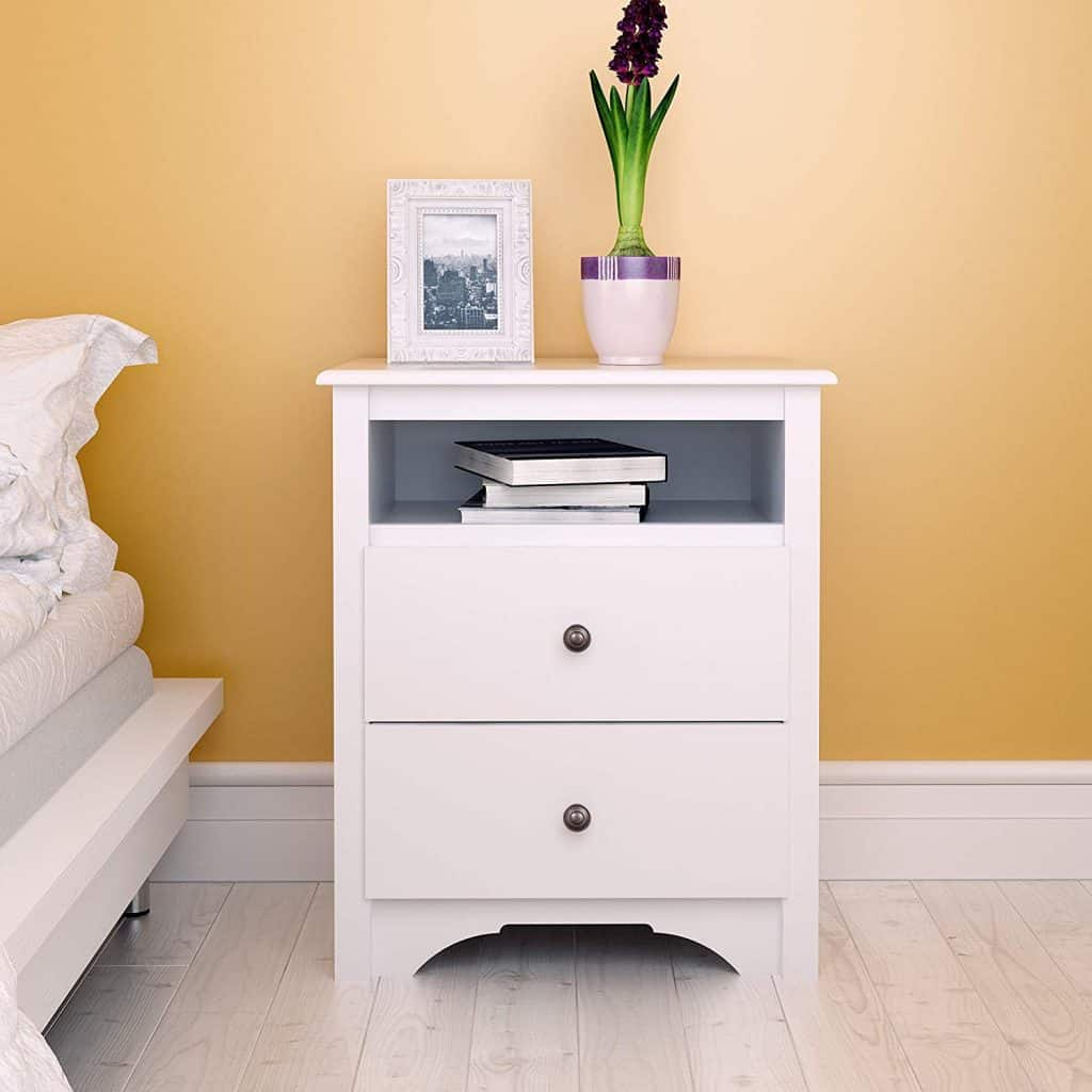 Bedroom organization ideas - white nightstand