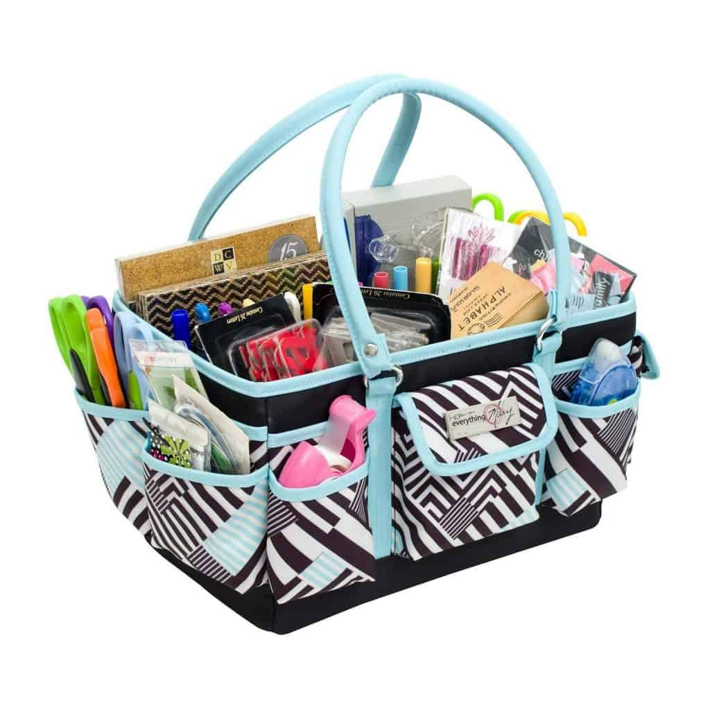 Arts and Crafts Supplies organization ideas - on the go crafting purse