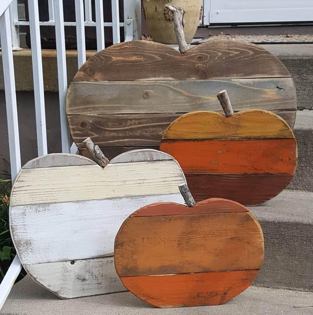 Fall porch decor ideas - wooden pumpkins