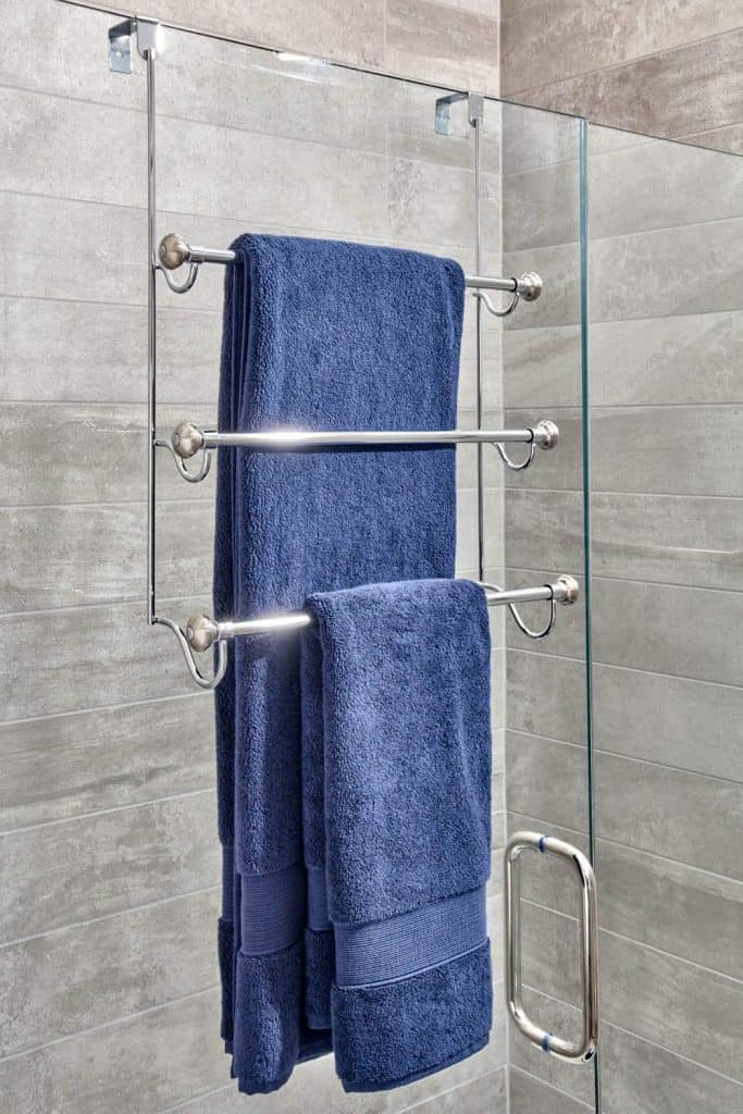 How to store towels in a camper - over the shower door towel holder