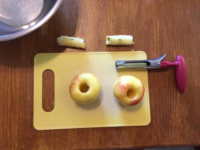 Dehydrating apples - an apple corer tool