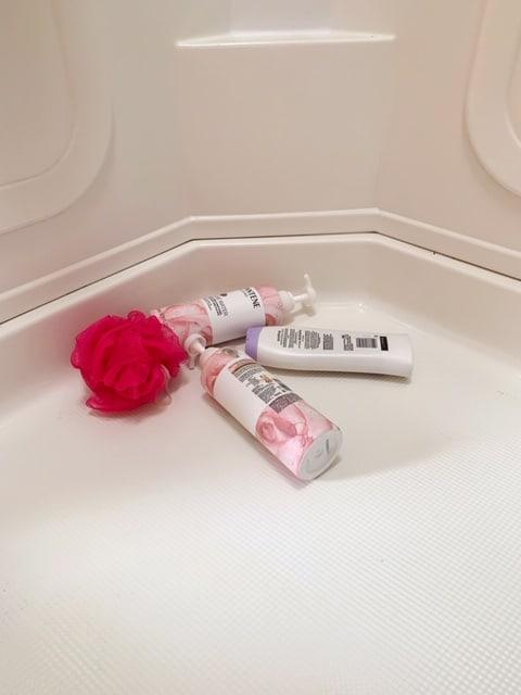 Shower Organization Ideas - organizers to get the shampoo bottles off the shower floor