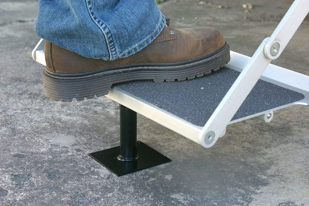 Camco RV step stabilizer support - how to stop your trailer from swaying and how to stabilize your travel trailer or other RV