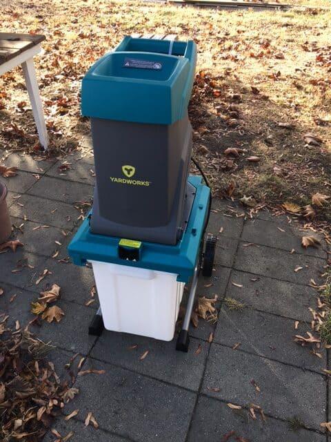 Yardworks electric chipper shredder for yard waste