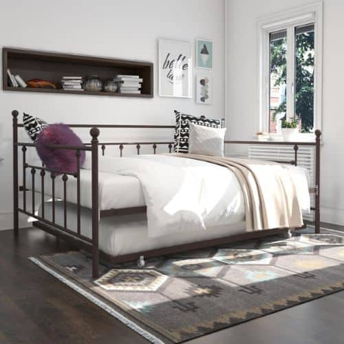 Queen size daybed with full size trundle. The Manila model by DHP